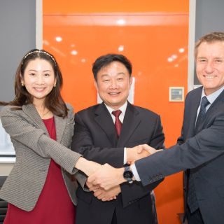 Signing of the MoU between the three institutions. L-R Dr Celina Yu,Professor Nicholas Klomp, Professor Yinnan Yuan.