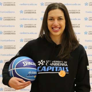 Marianna Tolo has signed a one-year deal with the University of Canberra Capitals