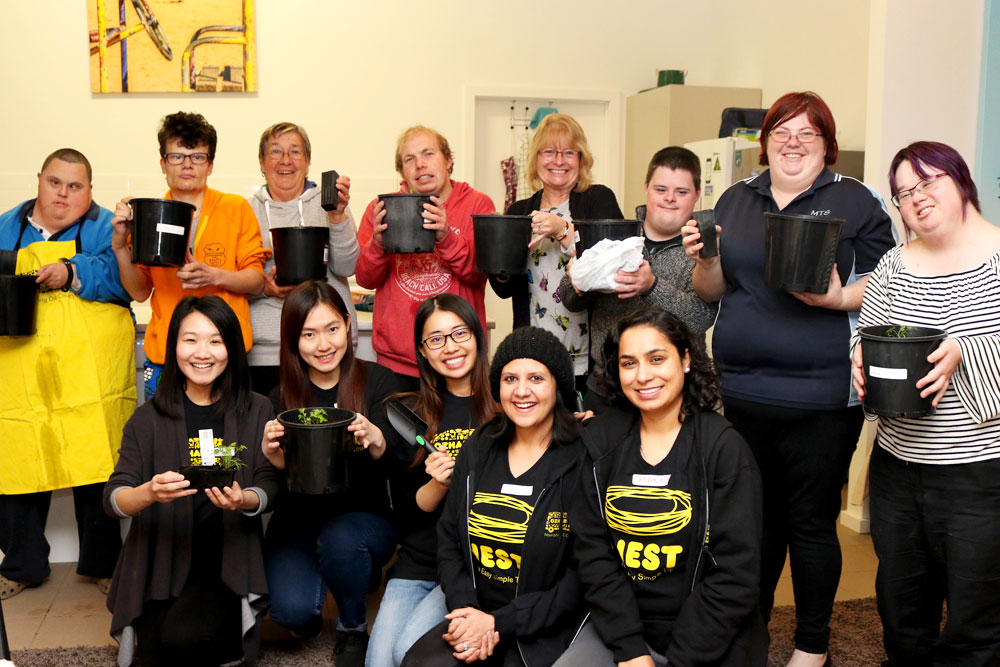 UC nutrition and dietetics students from the University of Canberra delivered the gardening program to the residents of Project Independence.