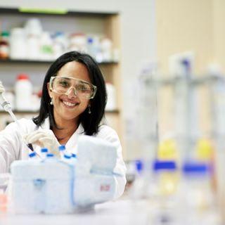 Professor Sudha Rao in her laboratory