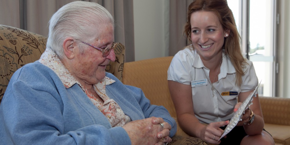 Pharmacist in residential aged care facility