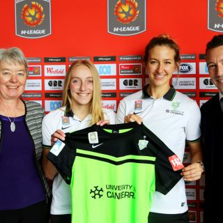 University of Canberra Acting Vice-Chancellor Professor Frances Shannon, Canberra United players Nikki Flannery, Grace Gill and Canberra United CEO Phil Brown