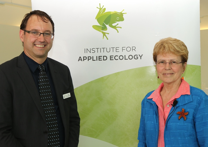 Professor Ross Thompson and Dr Jane Lubchenco ahead of the 2017 Krebs Lecture
