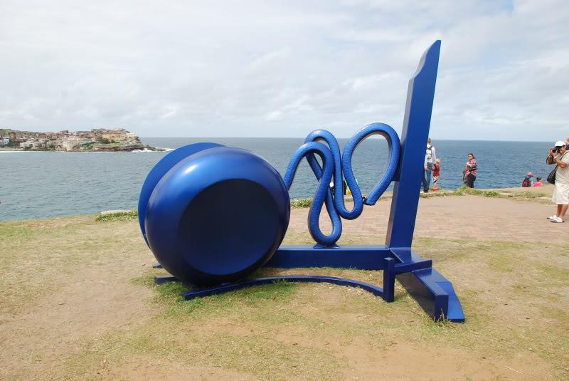 Blue Yo-yo by Michael Le Grand