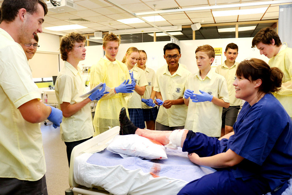 During the exercise the Year 9 and 10 students were tasked with treating a patient with a leg injury at the University of Canberra's UC 4 Yourself Experience Day.