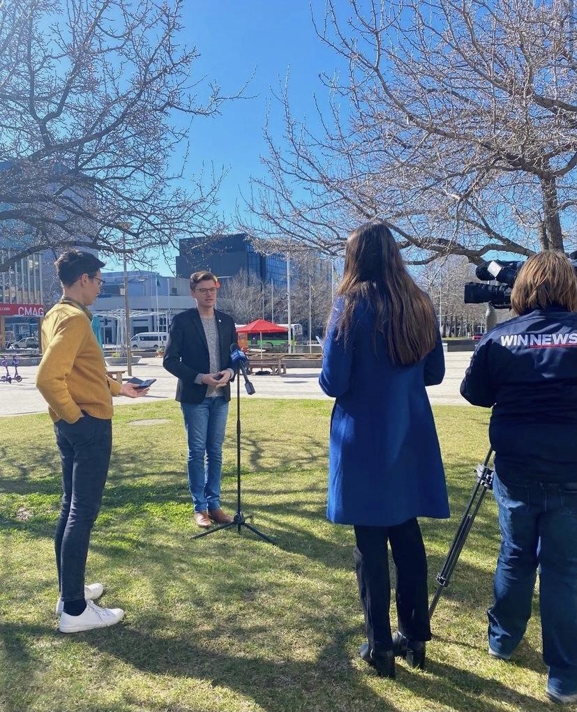 Peter Leonard Scholarship opens broadcast journalism doors for UC student