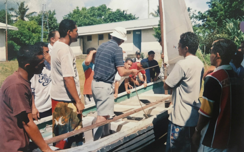 Peter giving a sail demonstration in Samoa